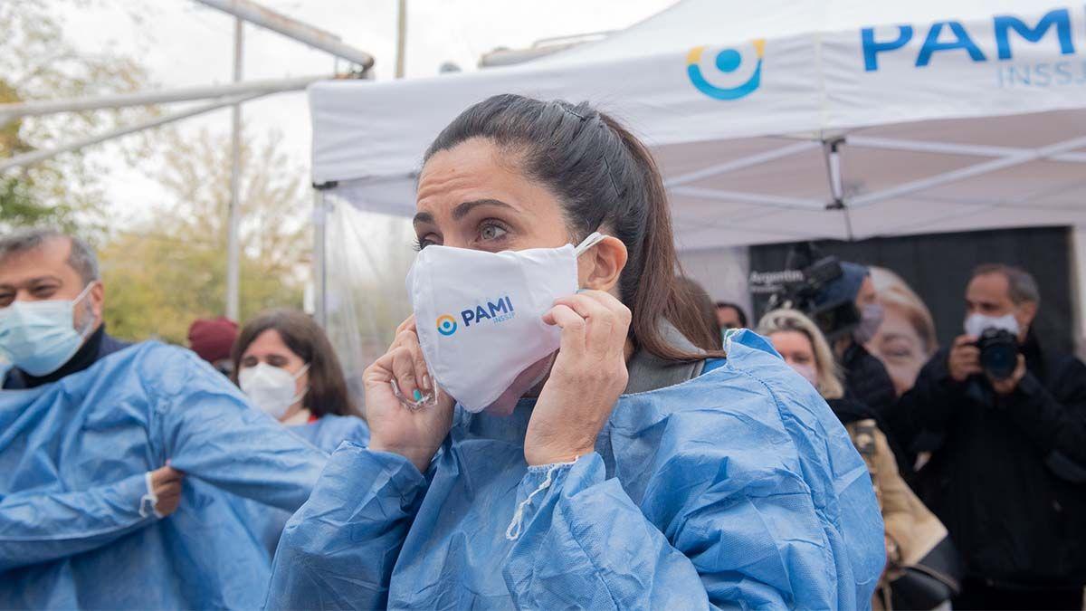 Luana Volnovich inauguró el centro de vacunación del PAMI en Mendoza