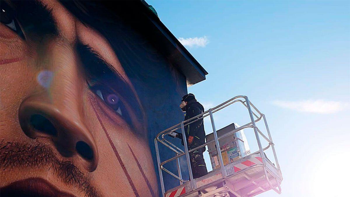 Diego Maradona y un nuevo retrato del artista callejero local Jorit Ciro Cerullo.