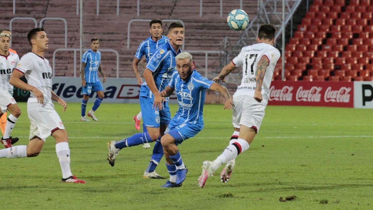 Godoy Cruz se quiere despedir con un triunfo en la cancha de Vélez.