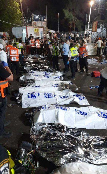 Una peregrinación judía ortodoxa al norte de Israel se convirtió en una pesadilla por una gigantesca estampida que dejó al menos 44 personas muertas.