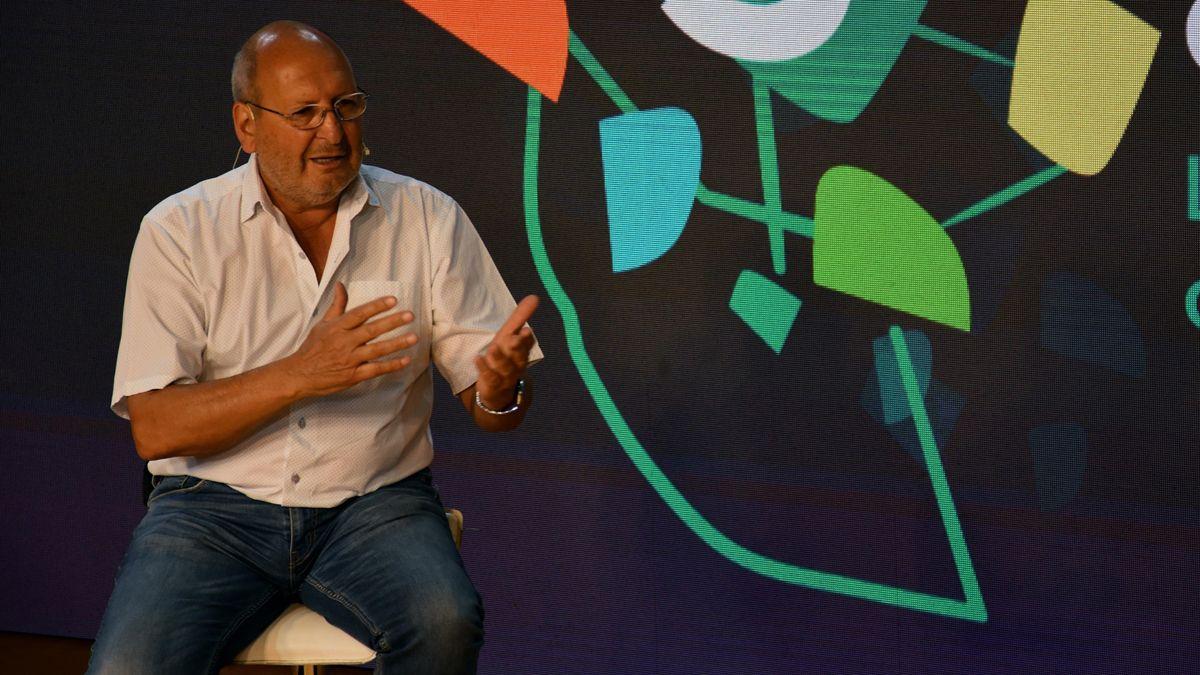 Marcelino Iglesias defendió a Rodolfo Suarez. No se enamoró ni de la cuarentena ni de las encuestas.