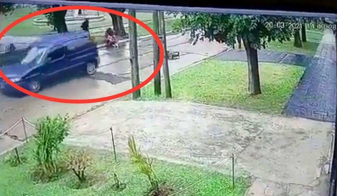 Padre e hijo detenidos por atacar y robarle a dos amigas
