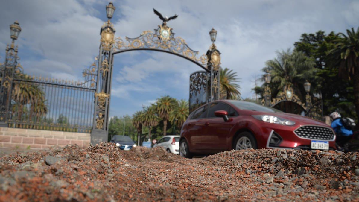 La tormenta provocó que el parque San Martín se convirtiera en un verdadero río. Las imágenes se volvieron viral en pocos minutos.