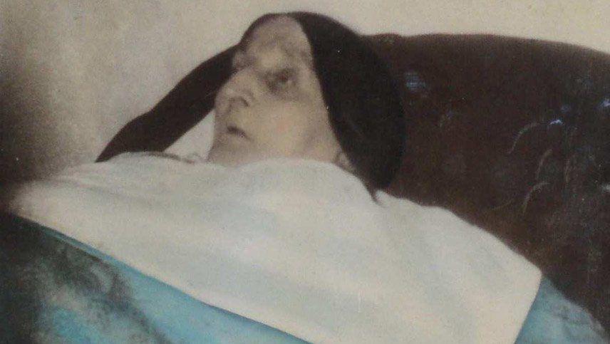 Será beata la monja que vivió 60 años en cama y con las rodillas levantadas