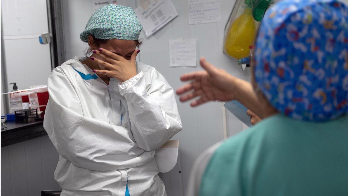 Desde el comienzo de la pandemia la cantidad de personas fallecidas por coronavirus en Argentina es 48.985.