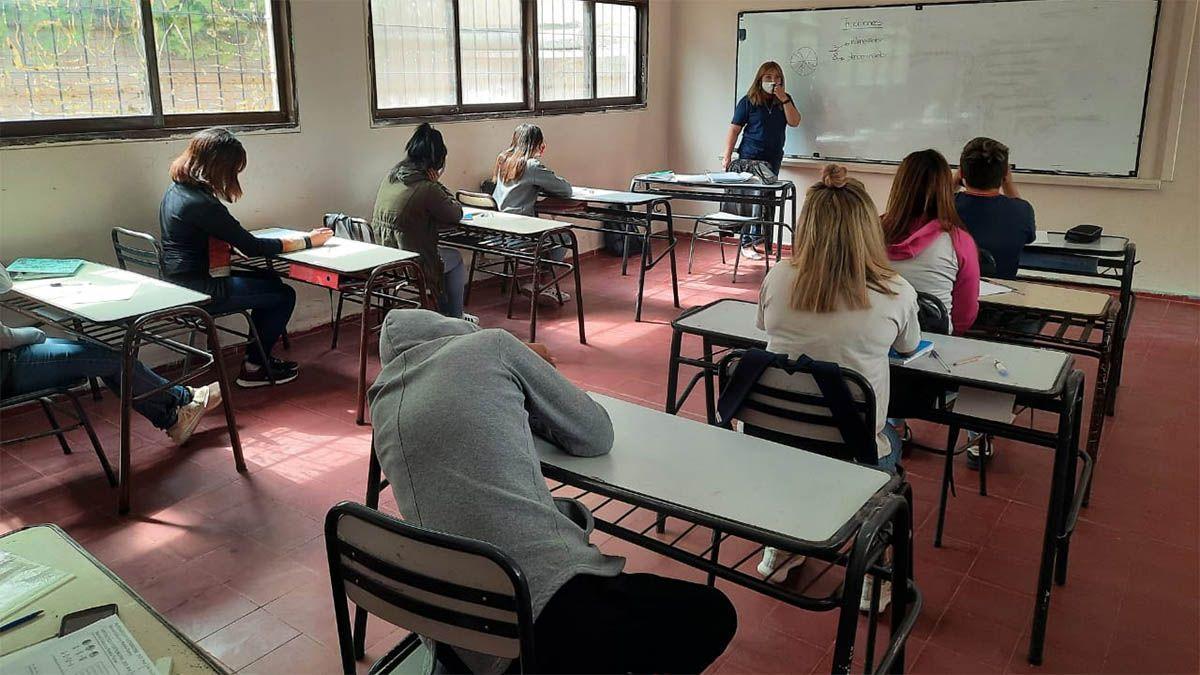 Jorge Difonso quiere que los docentes se jubilen con 25 años de servicio