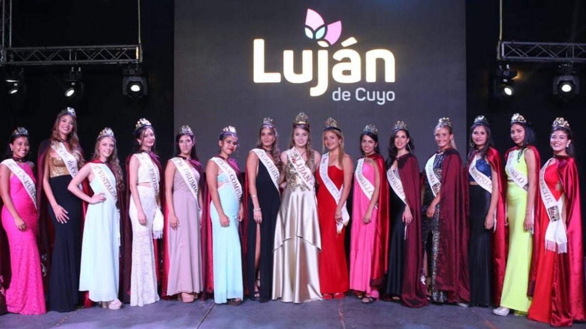 Los asistentes a la Vendimia de Luján de Cuyo votaron por ¿elección de reina sí o no?