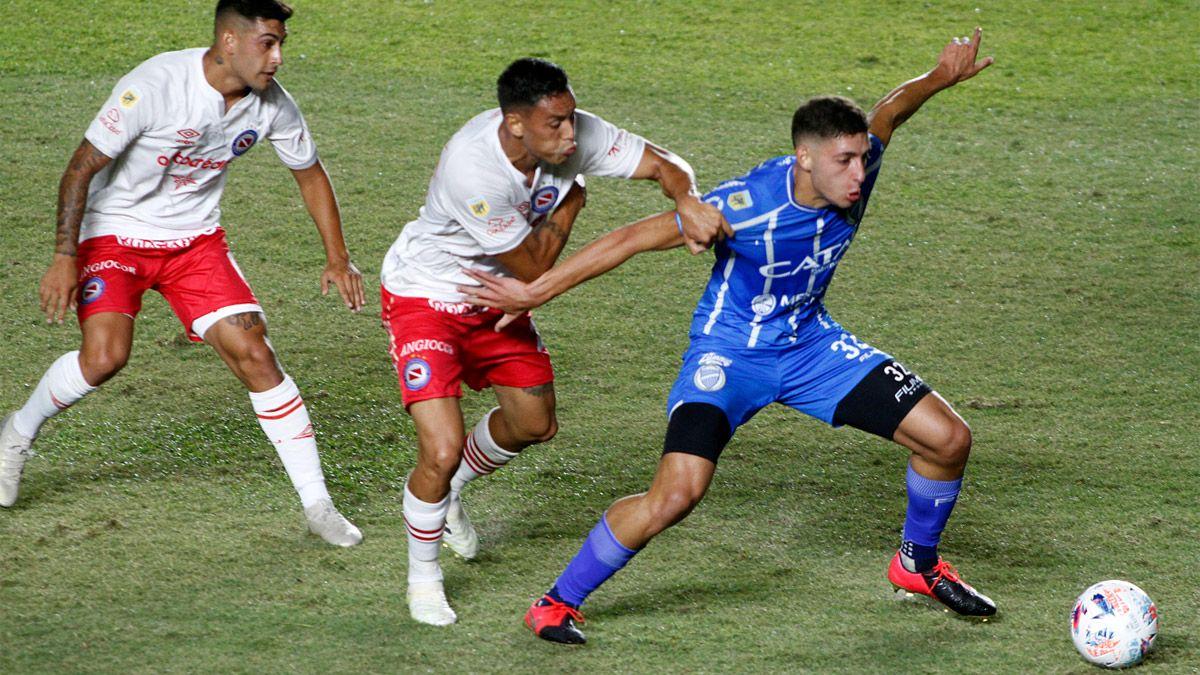 El Tomba la pasó mal y se trajo una derrota ante Argentinos