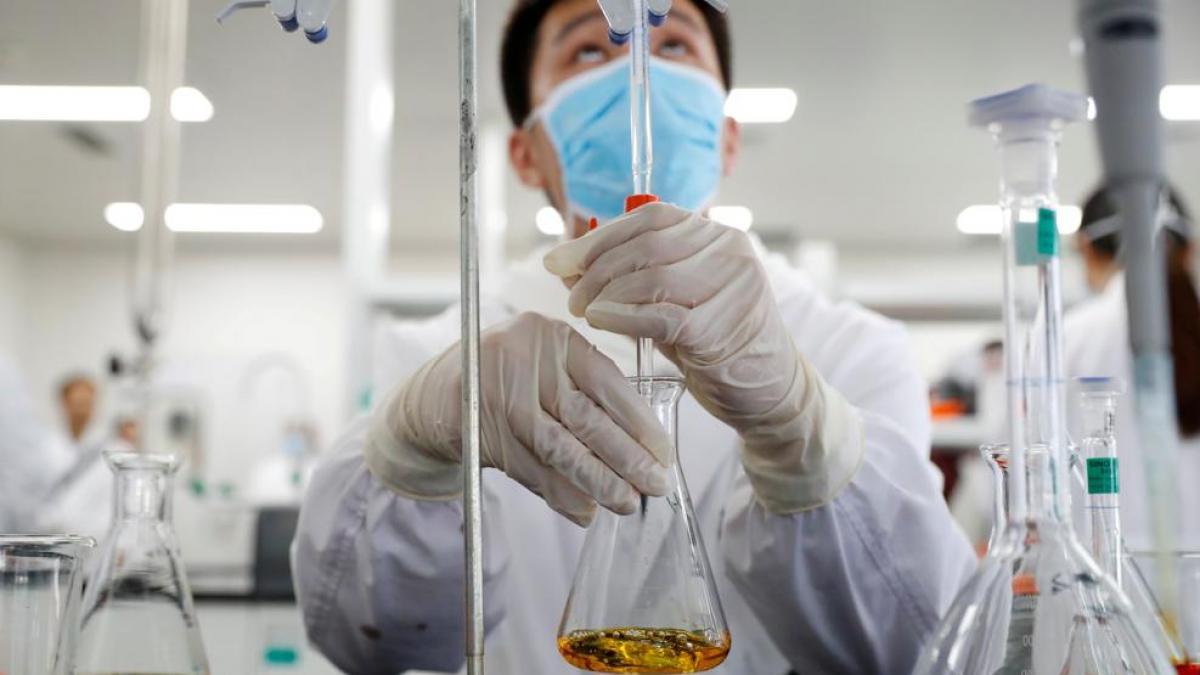 Argentina apura la compra de 1 millón de dosis de la vacuna china