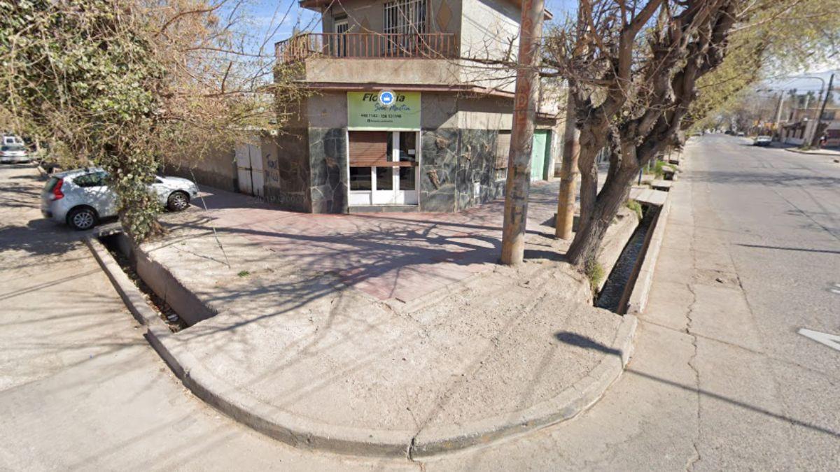 La esquina donde ocurrió el crimen en Las Heras. Foto: Google Street View.