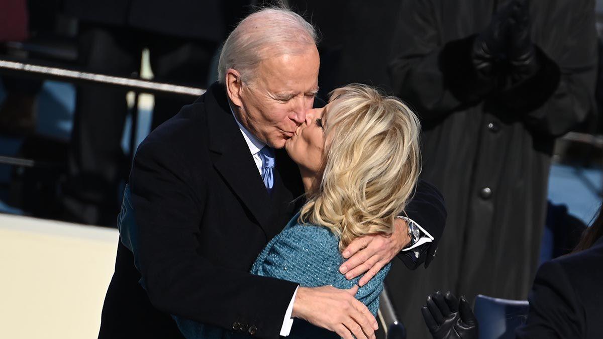 Joe Biden junto a su esposa Jill.