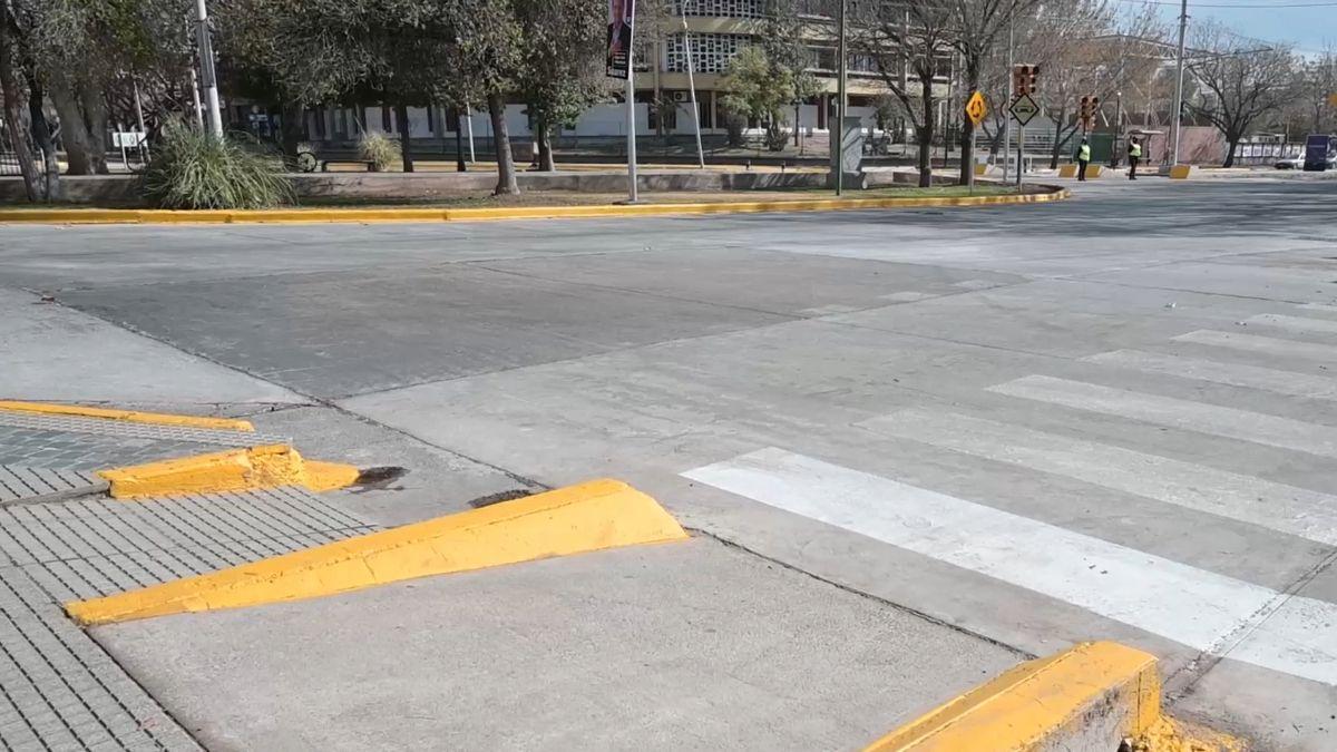 Vista de las nuevas rampas, la señalización horizontal, la nueva carpeta asfáltica (concreto) de la rotonda de calle Belgrano.