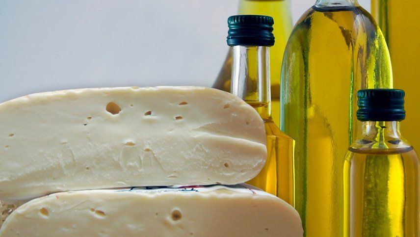 La Anmat prohibió el uso y compra de unas papas fritas, un queso, un té y un aceite de oliva