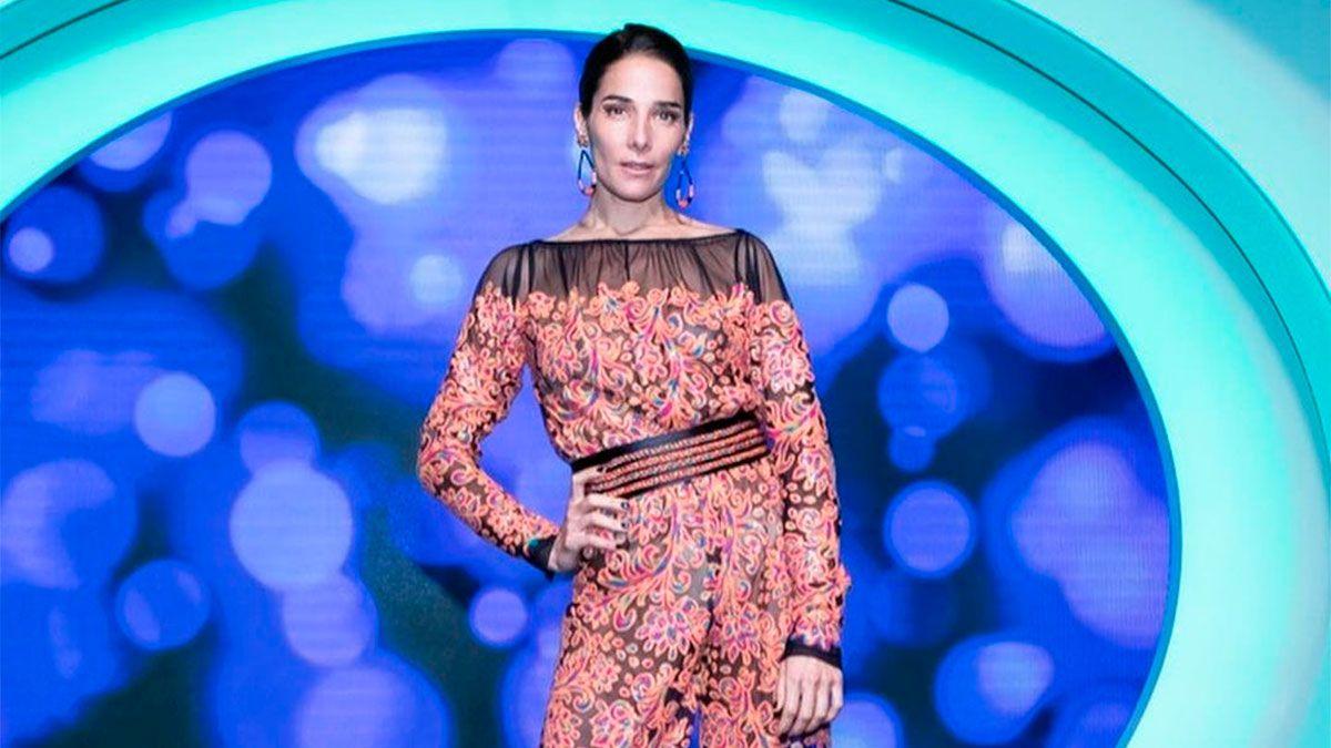 Juana Viale metió un look sensual con un mensaje para Mirtha