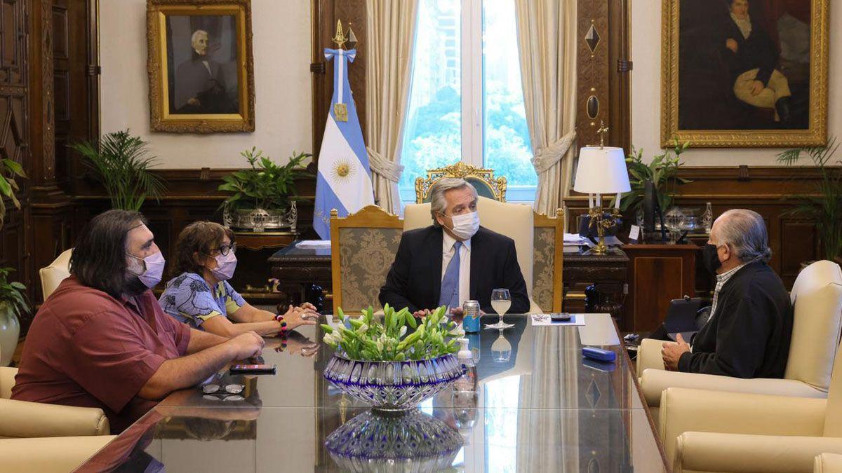 El presidente Alberto Fernández mantuvo un encuentro con los representantes de los 5 gremios docentes.