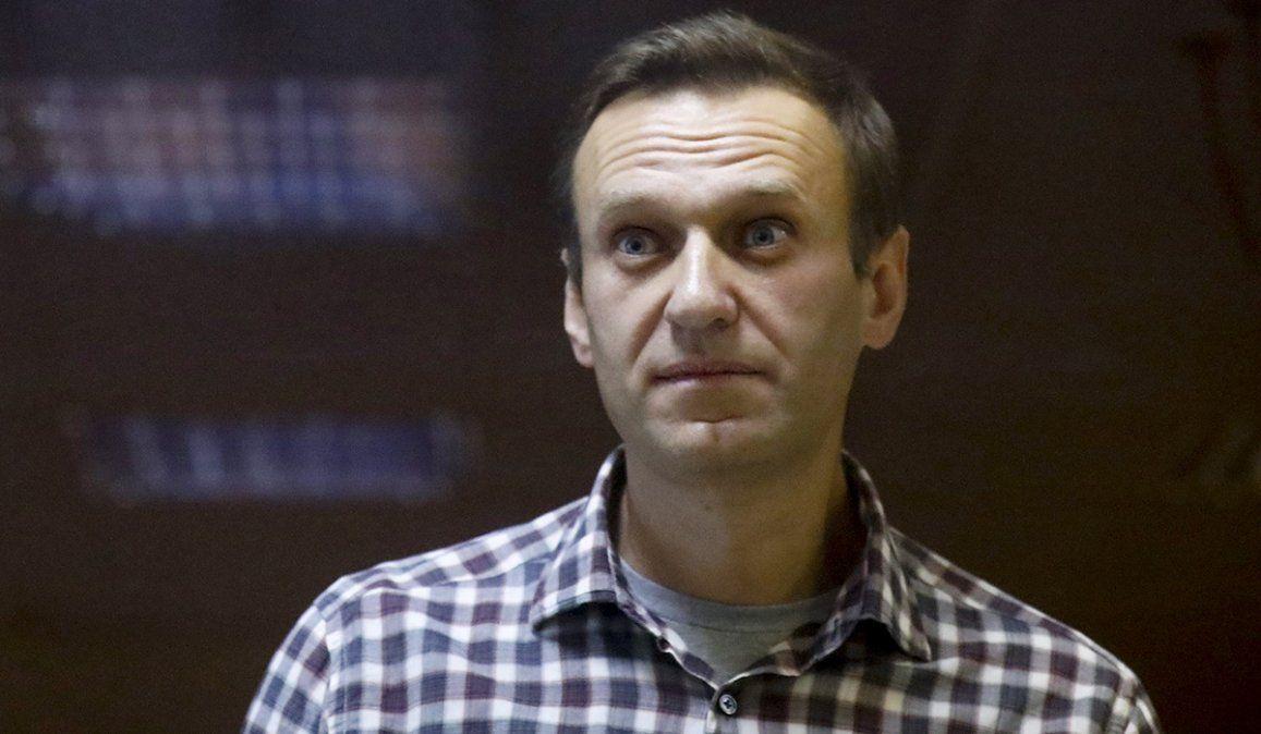 El opositor ruso Alexei Navalny aseguró que los médicos del centro penitenciario no le podían disminuir sus dolores de espalda y la pérdida de sensibilidad en las piernas.