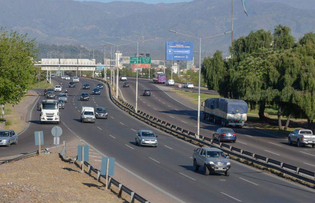 Primer viernes de circulación sin restricciones de DNI en Mendoza. Foto: Martín Pravata / Diario UNO.