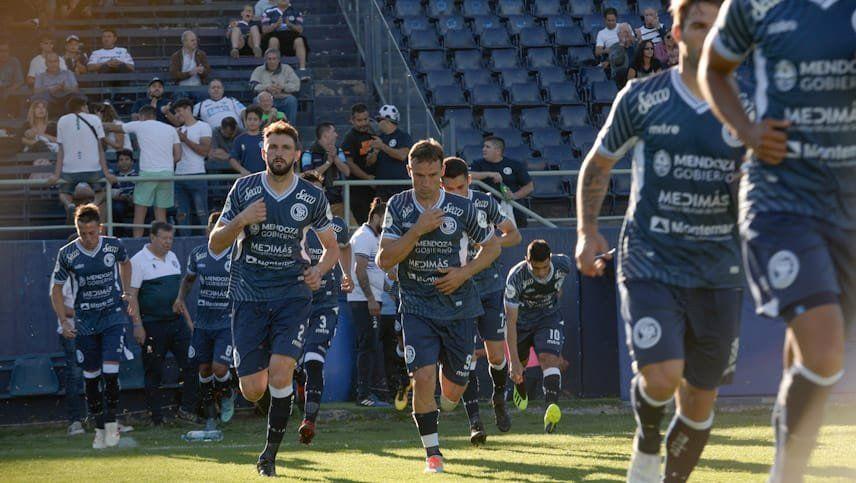 Colombo y la alegría de haber marcado su primer gol con la azul