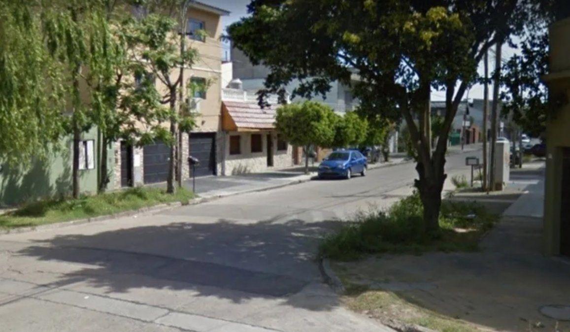 En esta cuadra de un barrio de Merlo se produjo el intenjto de asalto de motochorro a un Policía de la Ciudad