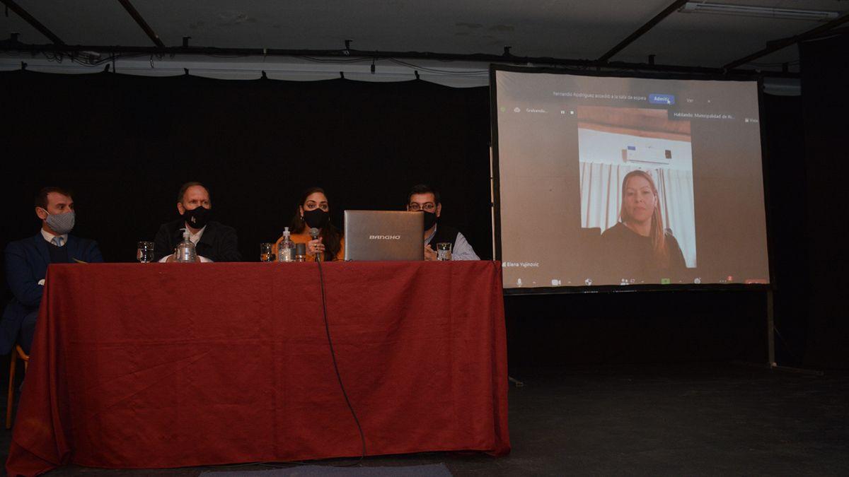 En el Teatro Municipal Luis Encio Bianchi, la Municipalidad de Rivadavia llevó a cabo la Audiencia Pública del Plan de Ordenamiento Territorial.