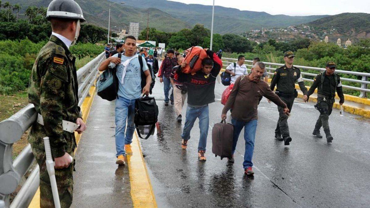 Maduro ordenó el cierre de los pasos fronterizos más importantes con Colombia