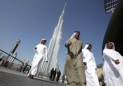 Dubái inauguró el rascacielos más alto del mundo en medio de la crisis