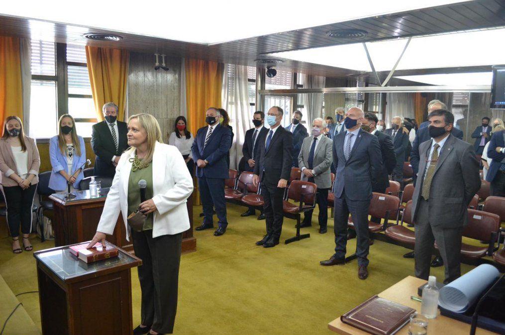 Jura Susana Pravata al frente del Juzgado Federal 4 y acompañan jueces federales y provinciales.