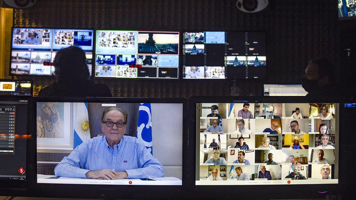 Carlos Heller durante el debate del Presupuesto.