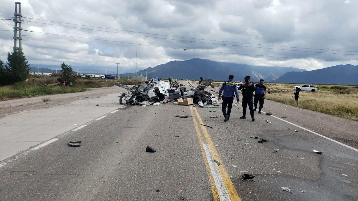 Tremendo accidente en Luján: un muerto, dos heridos y dos personas atrapadas