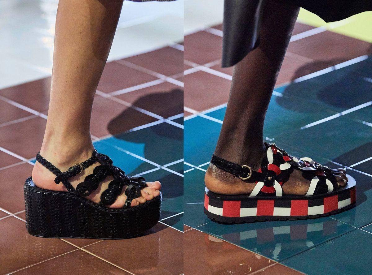 Sandarias flatforms presentado en el desfile de Prada