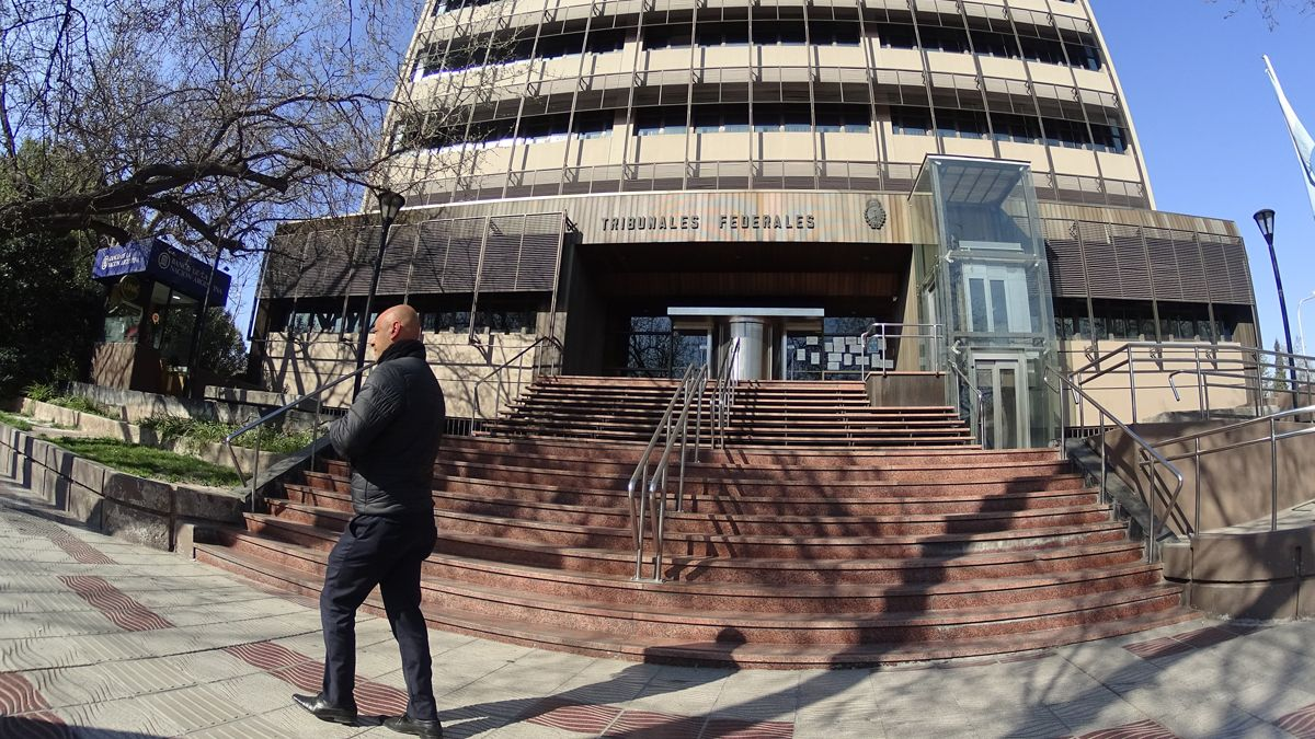 Los calabozos de la U32 están en el subsuelo de los Tribunales Federales de Mendoza.