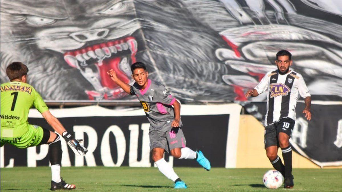 Fernando Cortés dio la asistencia en el gol de Lucas Leguizamón.