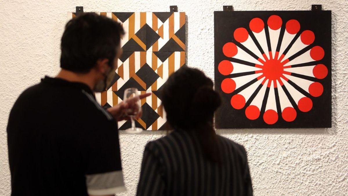 Una muestra del polifacético artista Luis Quesada es la que ha realizado la reapertura de la Sala de Arte Libertad de Guaymallén.