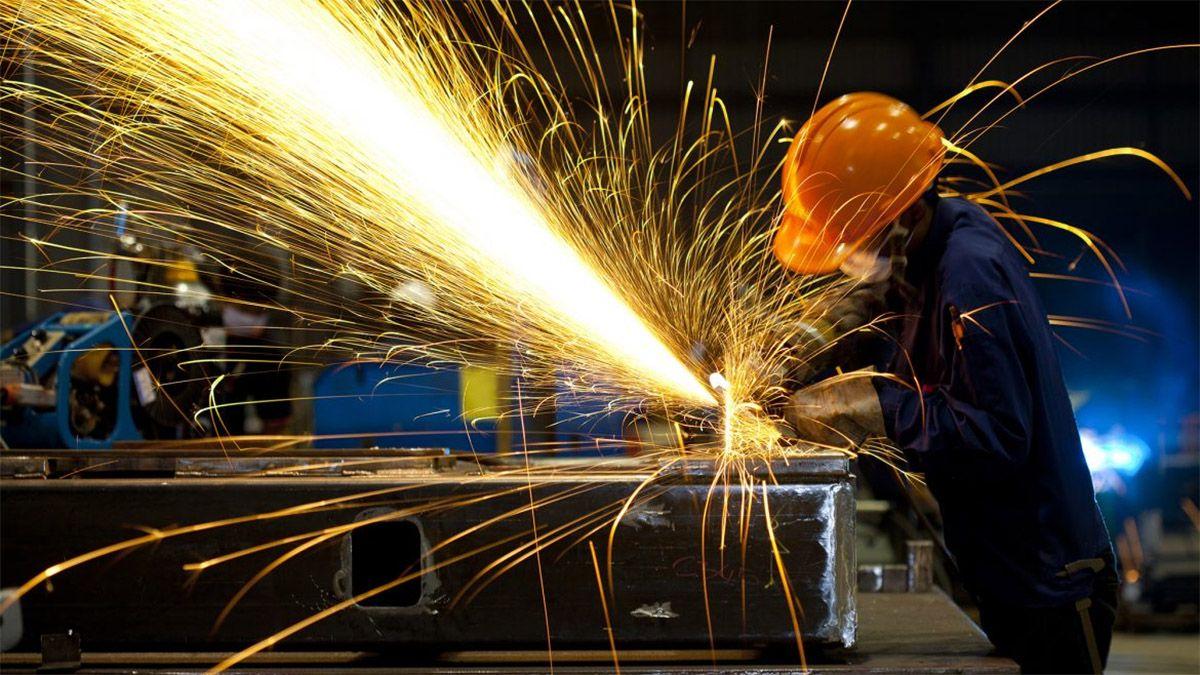 La actividad económica cayó a su piso en los últimos meses