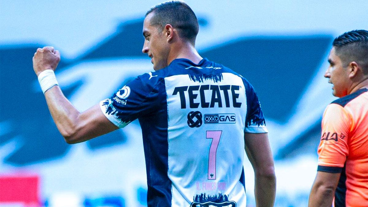 Rogelio Funes Mori marcó un tremendo golazo para Rayados