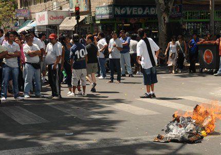 Capital aseguró que se duplicaron los ambulantes y culpó a la Justicia
