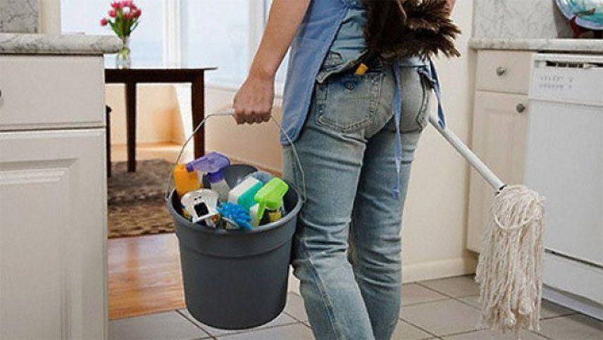 Qué pasa con la empleada doméstica si su empleador entró en cuarentena: asistencia y sueldo