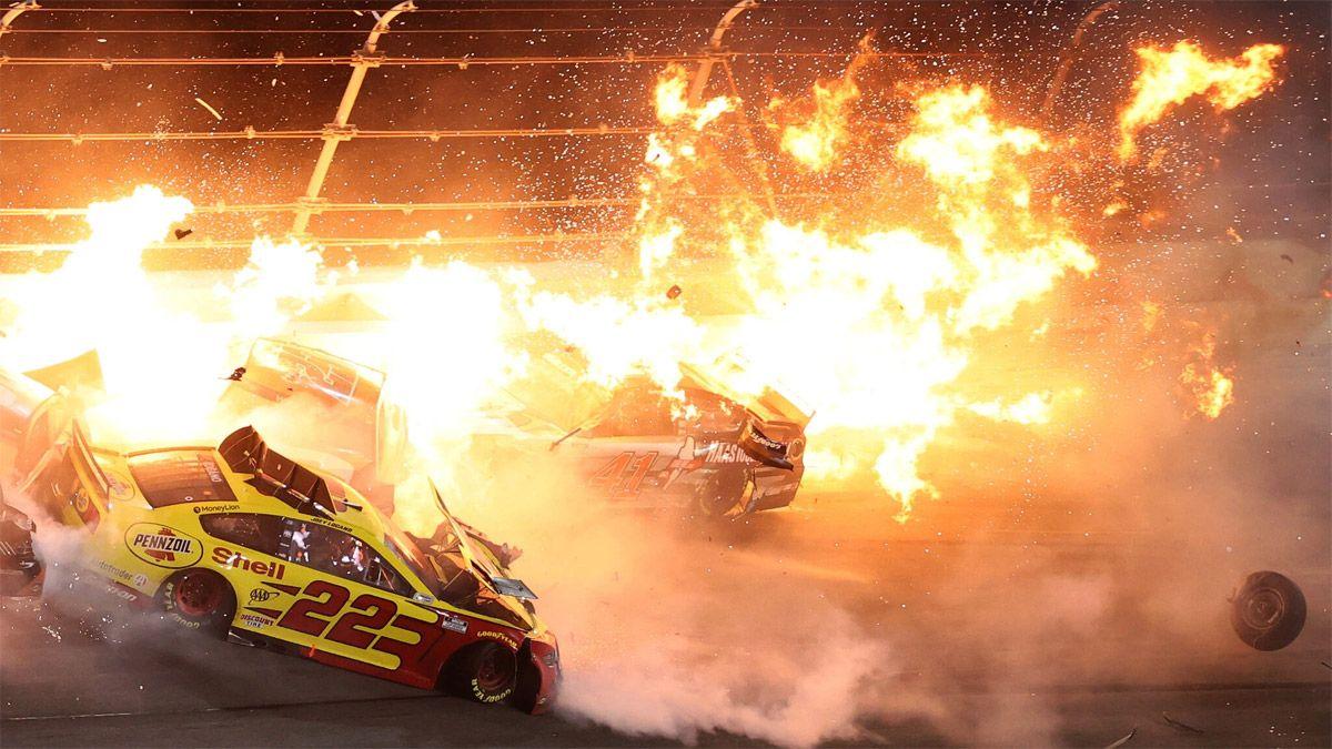 Terrible accidente múltiple en las 500 millas de Daytona