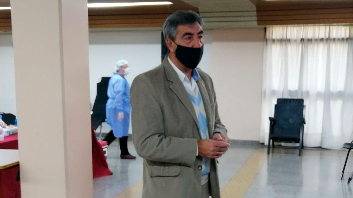 Independiente Rivadavia se sumó a la campaña de donación de sangre para el Notti. El presidente Carlos Castro se hizo presente en el nosocomio. (Matías Pascualetti/El Siete).