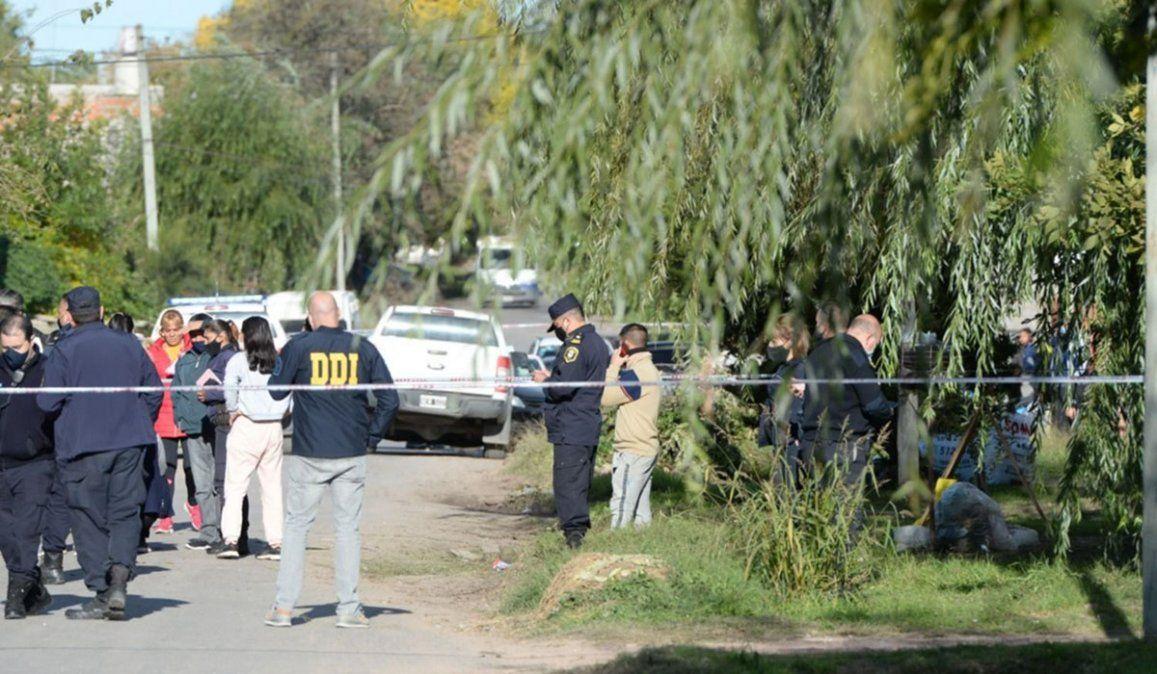La policía trata de establecer las causas por la que el efectivo asesinó a su pareja