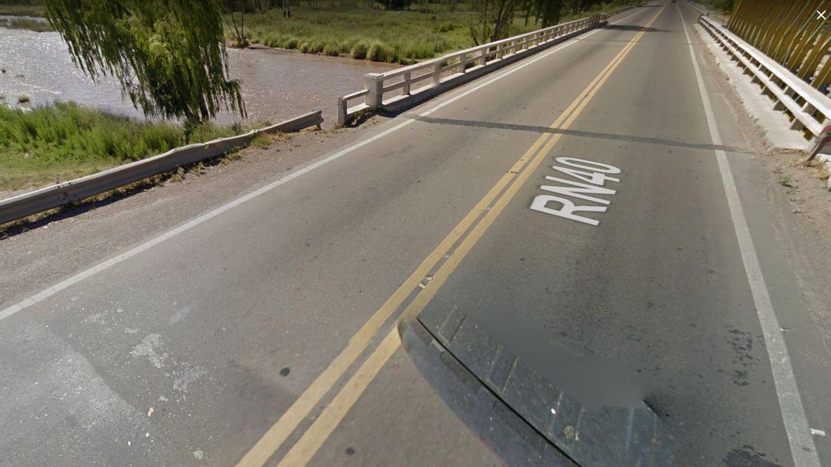 Ciclista atropellado por un camión está grave
