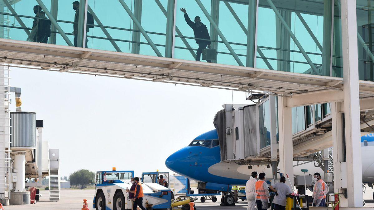 Mendoza busca incrementar la llegada de turistas nacionales y pidió que Aerolíneas Argentinas amplíe su frecuencia de vuelos.
