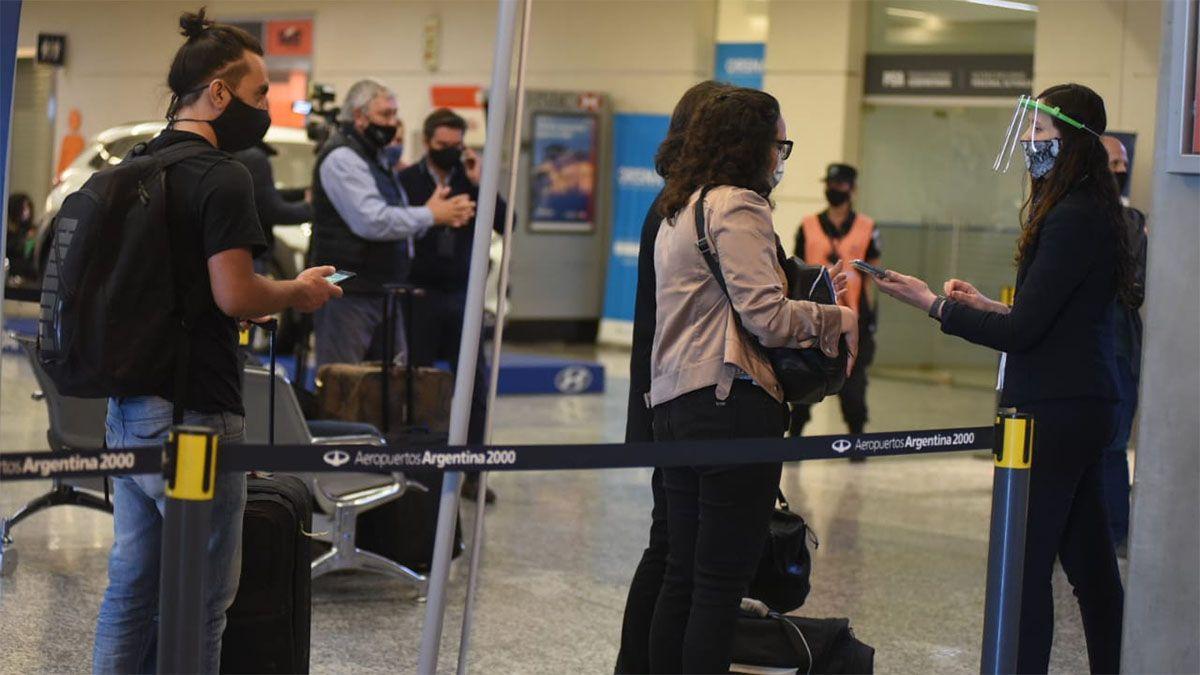 El aeropuerto de Mendoza reanuda su actividad tras 7 meses