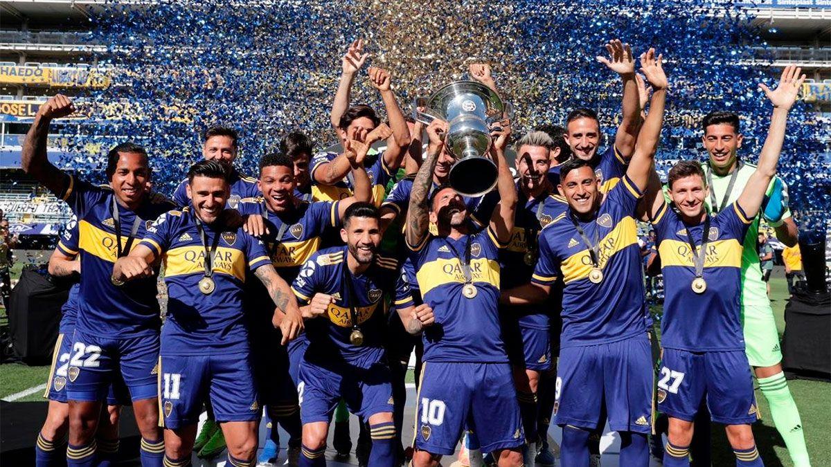 Boca recibió el trofeo de campeón de la Superliga 2019/20