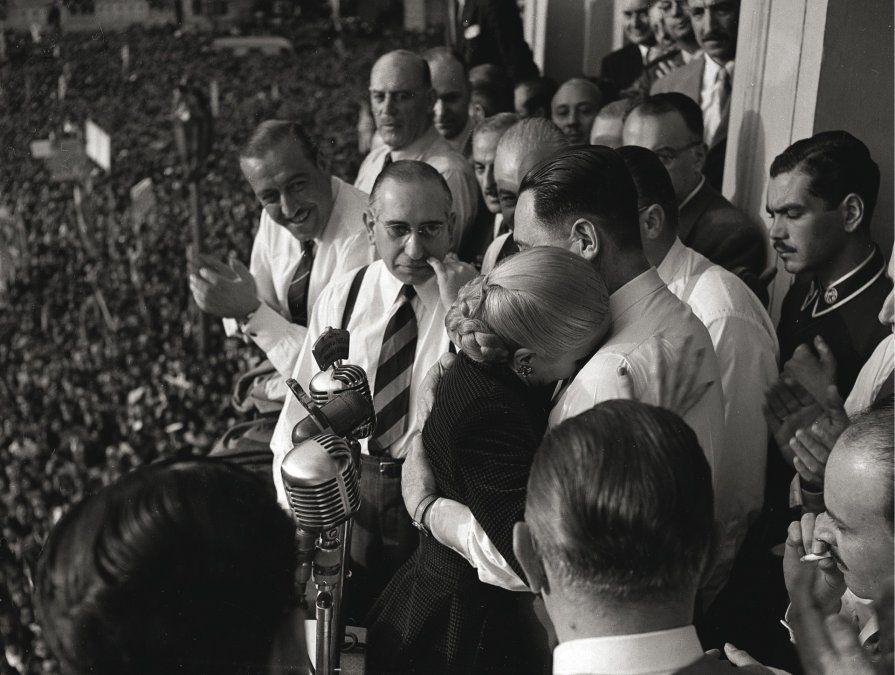 Evita renunció a ser candidata a vicepresidente en 1951.
