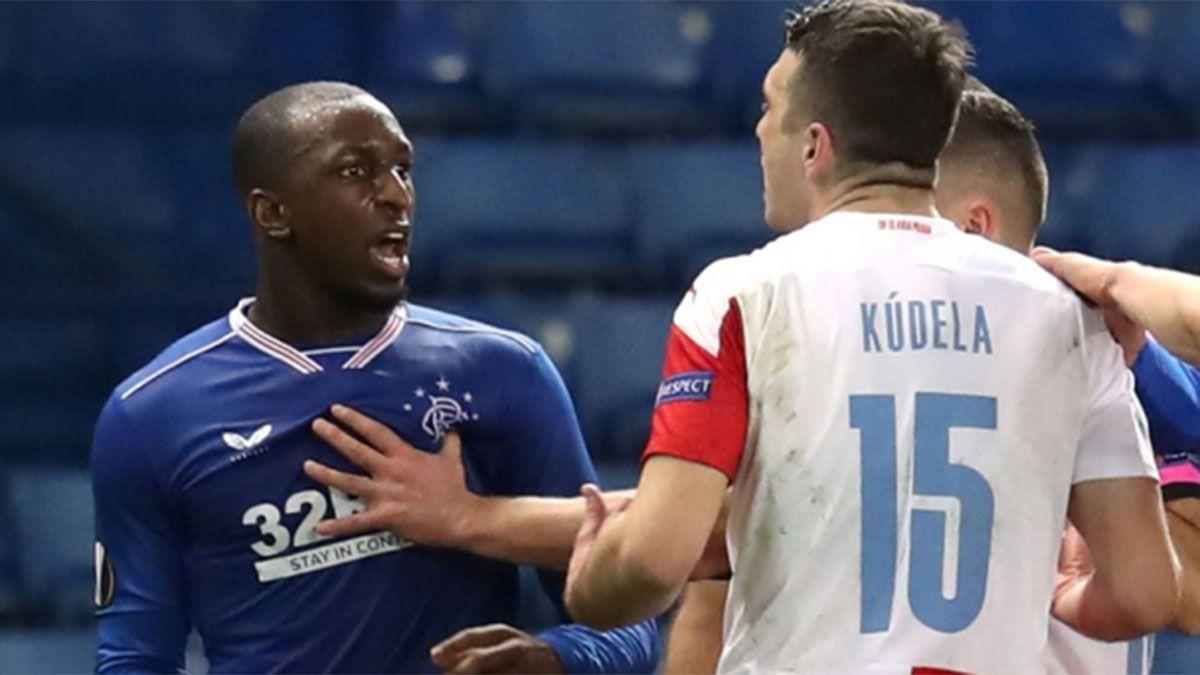 Sancionaron con diez fechas a un jugador por insultos racistas