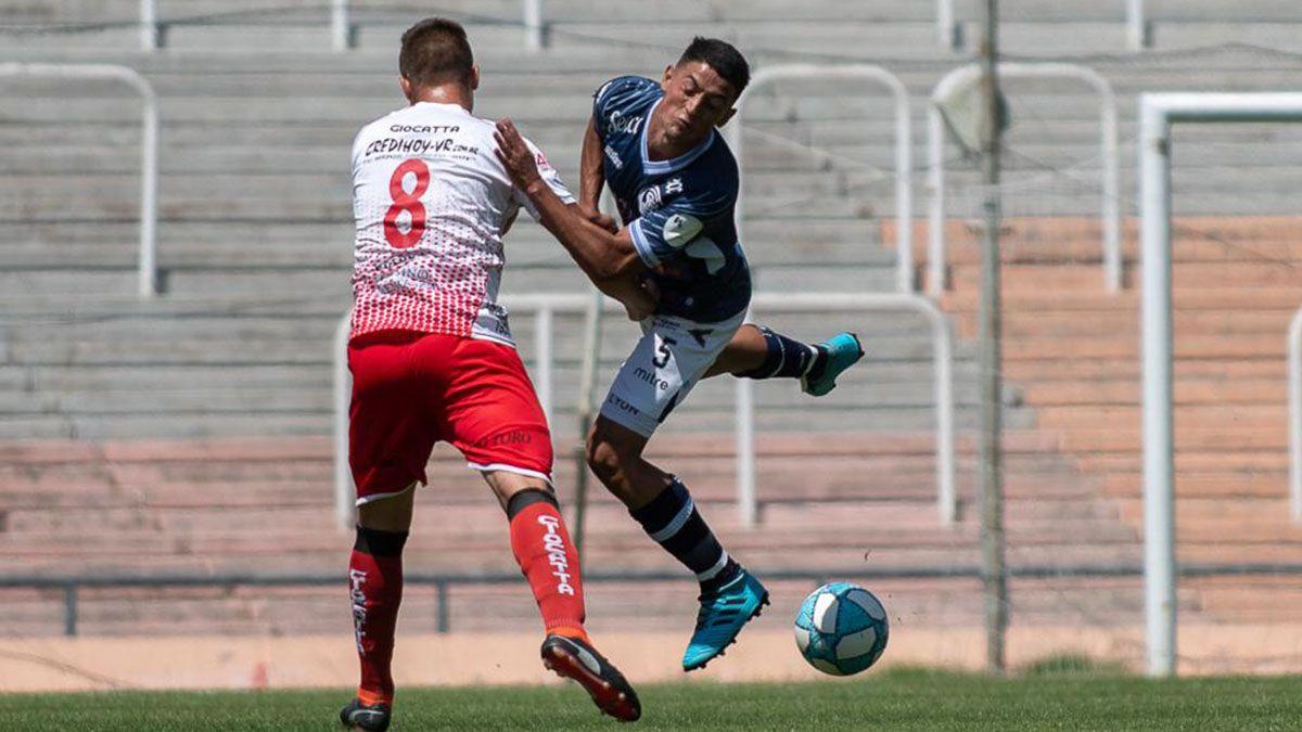 El volante que está desde el 2019 en la Lepra fue titular en el amistoso ante Huracán Las Heras.