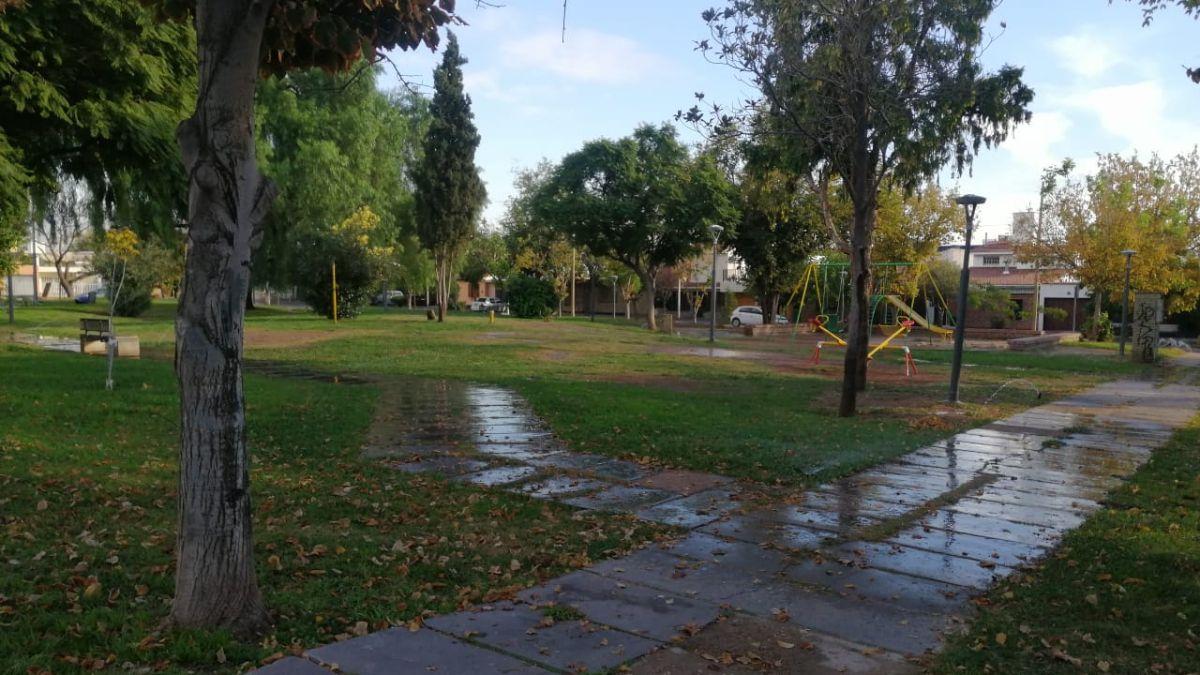La plaza donde encontraron a la nena tras el robo en Guaymallén. Foto: Matías Pascualetti.