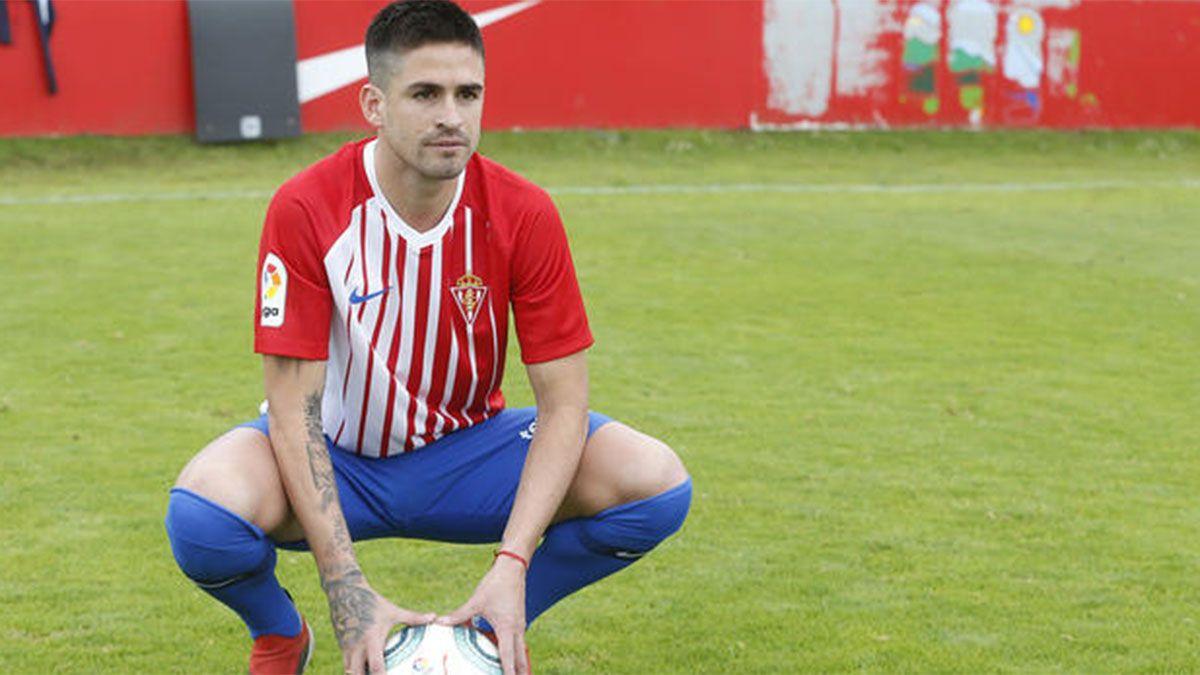 Damián Pérez viene de jugar en el Sporting Gijón español.