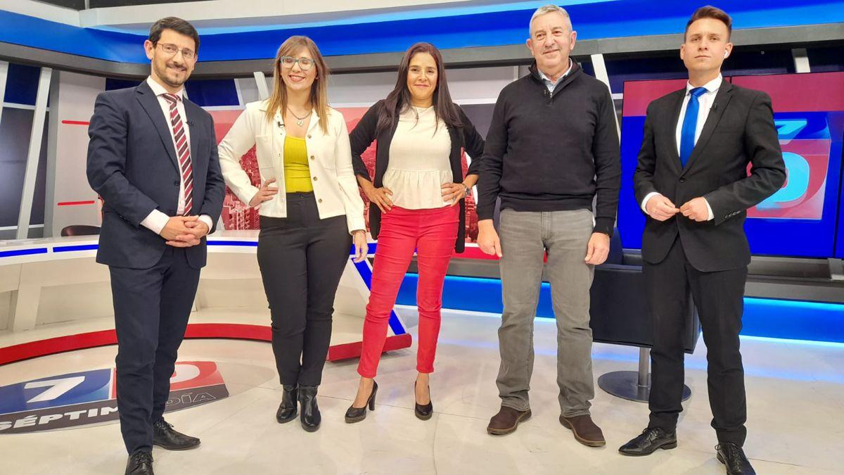 Pablo Gerardi, Agustina Fiadino, Rosana Villegas, Julio Cobosy Julián Imazio.